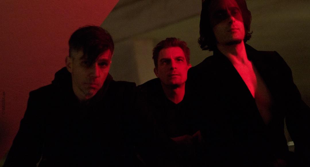 Some get all #sunshine some all #shadow  #alternativemusic #altrock #alternativerock #modernrock #alternativemetal #heavymetal #gothstyle #metalmusic #gothicrock #rockmusic #rockbands #rockon #vampires #gothlife #indiemusic #grunge #undergroundmusic #edm #artrock #darkmode #darkpic.twitter.com/1di7d1zLVj