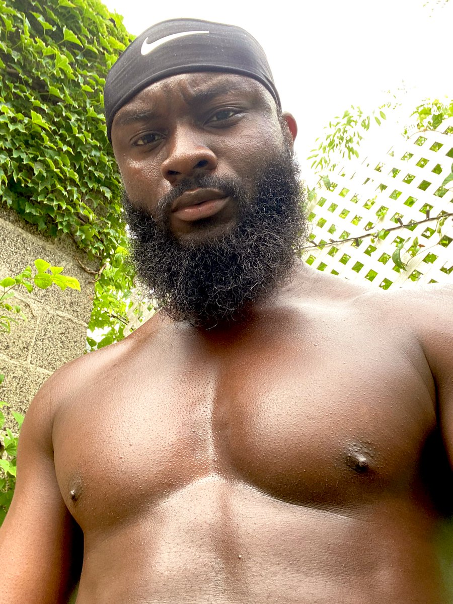 Check out the greenery  #tuesdayvibes pic.twitter.com/XcIvBF7IHD  by 🗣BLACK POWER ✊🏿