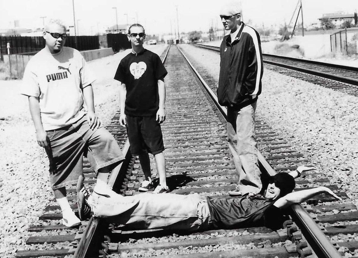 Other side of the tracks with #Thecitruskids  https://thecitruskids.com  #music #hiphop #alternativerock #alternativerock #punk #punkrock #numetal #funkrock #hiphop #rap #alternativemetal #indiemusic #undergroundmusic #streetart #siriusxmturbo #kfma #kupd #kroq #komp #siriusxmpic.twitter.com/yHUXnjatqe