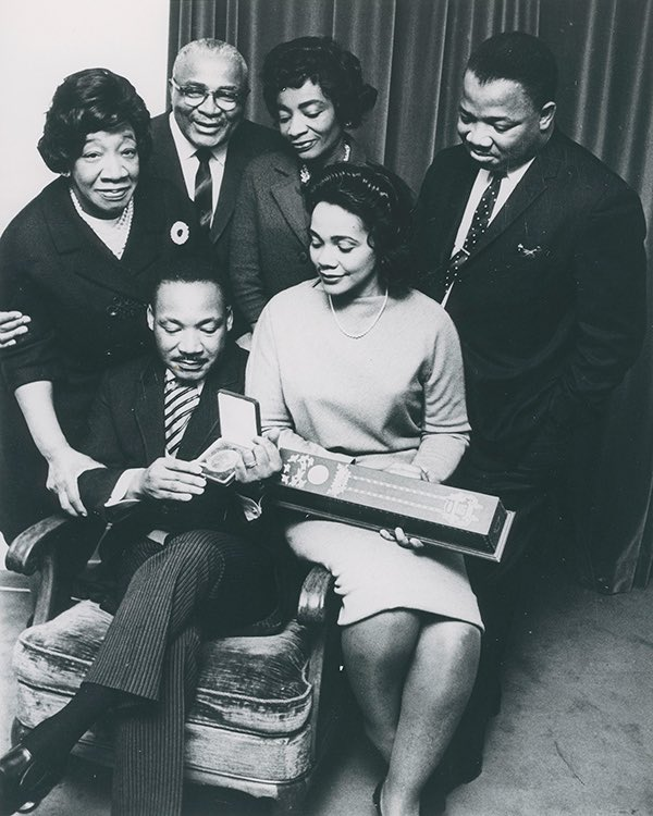 46 years ago today, my paternal grandmother, Alberta Williams King (to my father's right), was shot & killed while she sat at the organ in Ebenezer Baptist Church.  I've experienced too much tragedy to give up now.  We can build a more just, equitable, humane & peaceful world. https://t.co/FbToTtvnsv