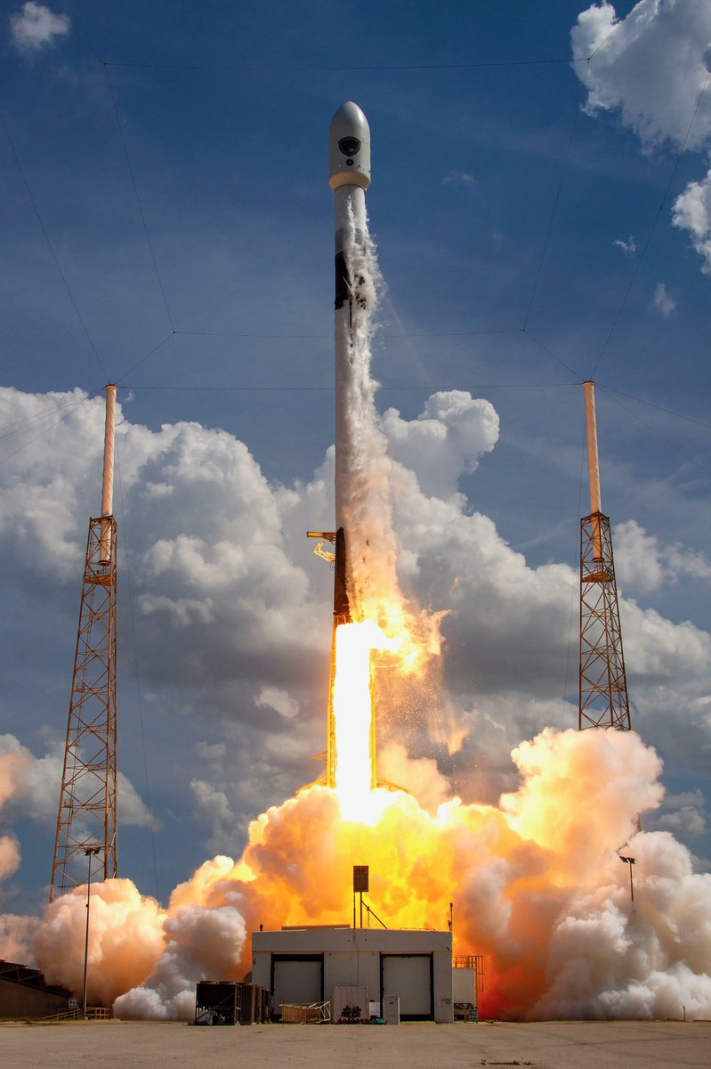 Falcon 9 launches its first mission for the @SpaceForceDoD https://t.co/ZfWksqYMRr