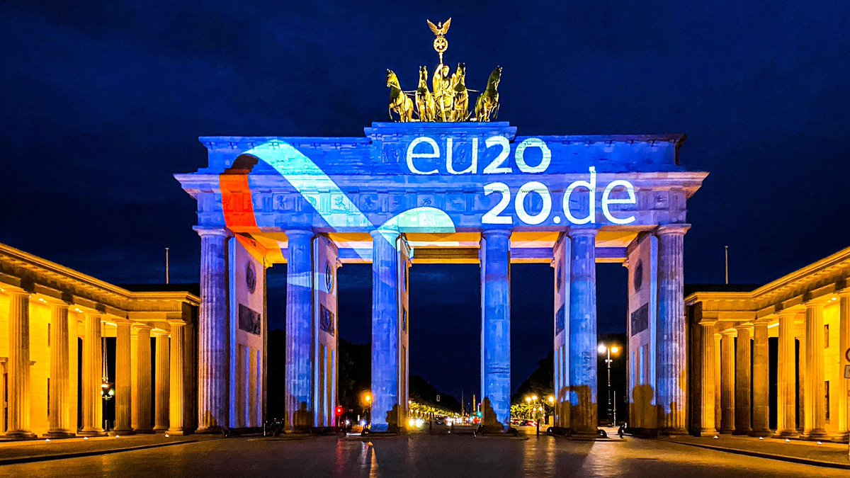 To mark the start of the 🇩🇪 EU Council Presidency, the #BrandenburgGate is shining tonight. One more hour to go and #EU2020DE is ready for take-off. Together for Europe's recovery! 🇪🇺🇪🇺🇪🇺 https://t.co/p7AWtSy4Wr