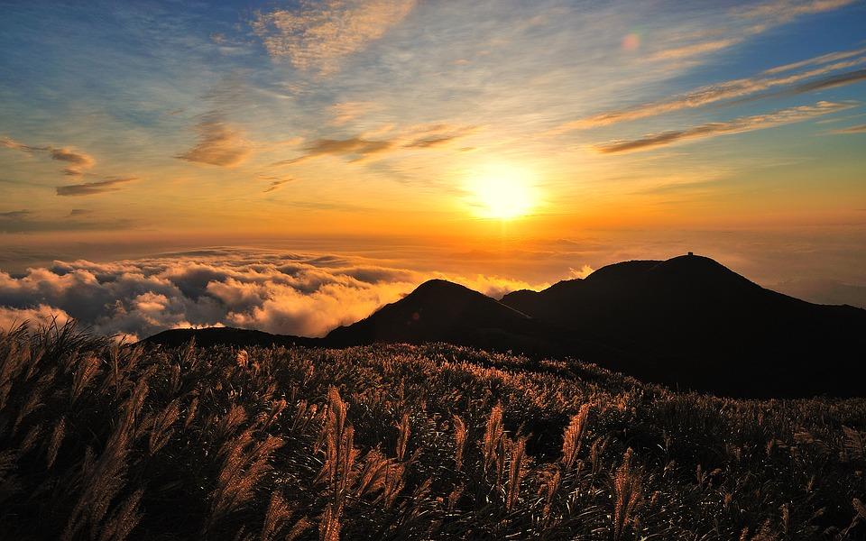 Спокойной ночи, земляне!  Закат в горах . • ° #закат #природа #красота #горы #Россия #РуПолpic.twitter.com/aw6ISUEom4