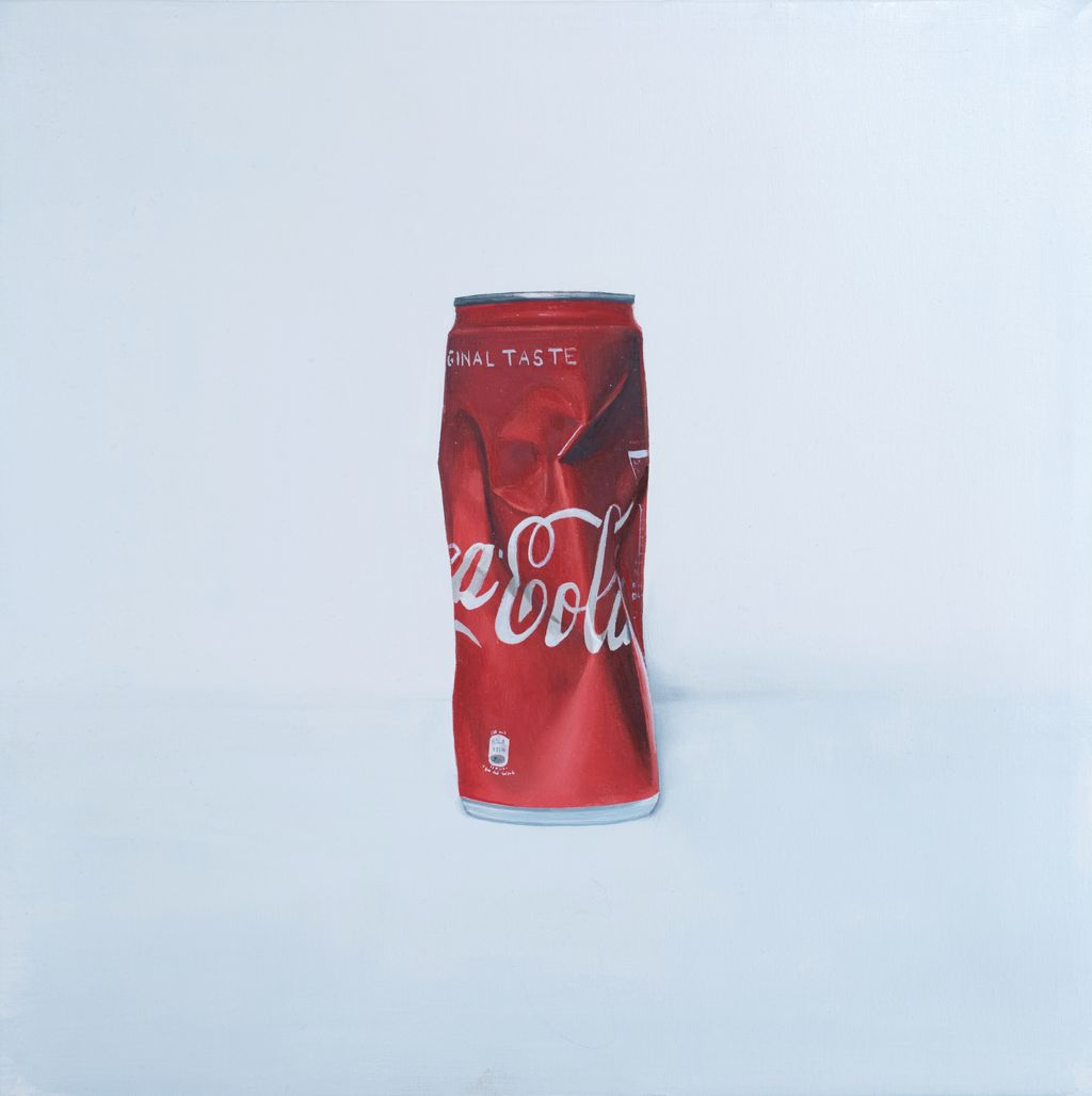 Coca cola can 4 Oil on canvas Cm 30x30 Last one of four small paintings, now on display @pareteartmuseum @cocacola #art #arte #oilpainting #oiloncanvas #painting #paint #paintingoftheday #popart #artist #cocacola #italy #campania #pittore #pittoriitaliani #artlovers