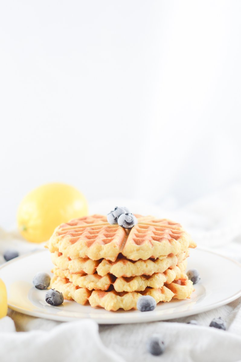 Don't sit there missing waffles because you're on keto, because this Keto Waffles Recipe will fix you right up! Made with few ingredients, this breakfast recipe holds up well in a traditional waffle iron. #ketorecipe #keto  https://t.co/NBUajbppVa https://t.co/z0QqbfvuHi