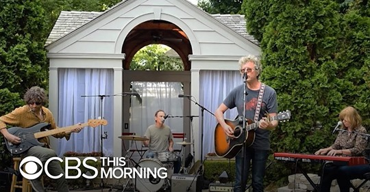 If you missed @the_jayhawks on @CBSThisMorning: Saturday Sessions, catch the two songs broadcasted from their new album 'XOXO' + more here. https://jayhawksofficial.tumblr.com/post/622368553632497665/cbs-this-morning-saturday-sessions-with-the…  #MesaArtist #MarcPerlman #TheJayhawks #MesaBoogie #SubwayD800 #Subway1x12pic.twitter.com/vlf3GoIG0p