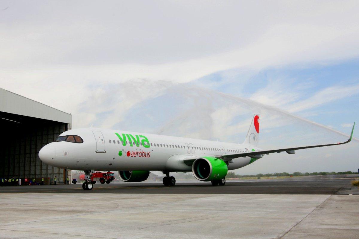 ¡Bienvenido #A321neo a la #FamiliaViva!👏💚😍 Recibimos con gran entusiasmo al primero en su tipo en Latinoamerica en esta nueva realidad con configuración para 240 pasajeros, ya es parte de la flota más joven de México, ¿estás listo para viajar a nuevas experiencias?✈️ #A321Viva https://t.co/CQlxm037xB