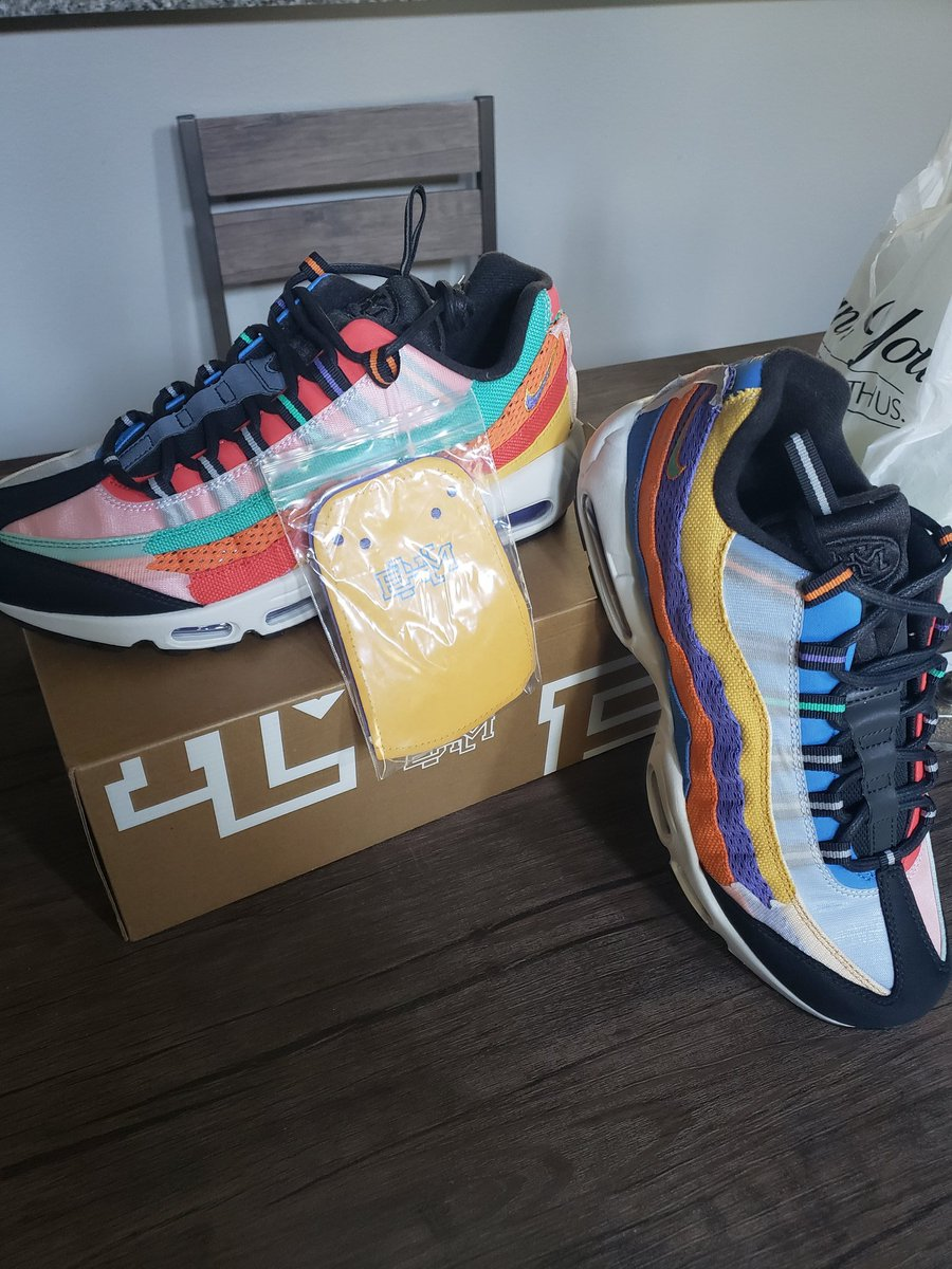 """I can't help it, these just came in the mail. """"Black History edition"""" airmax 95' pic.twitter.com/joQX9x4Hfp"""