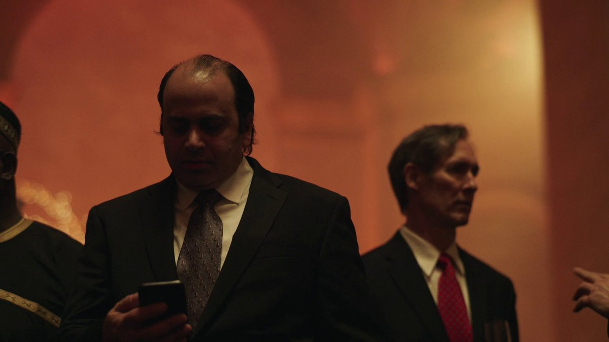 So the #RelianceJio will be the Indian #ECorp in Future 🤔 #JioCoin soon?  Here's #MukeshAmbani in #MrRobot Final Season (S04E09) He will be shown as a member of An Illuminati Group lead by the Chinese 🤷♂️ https://t.co/acbeSvV6NU