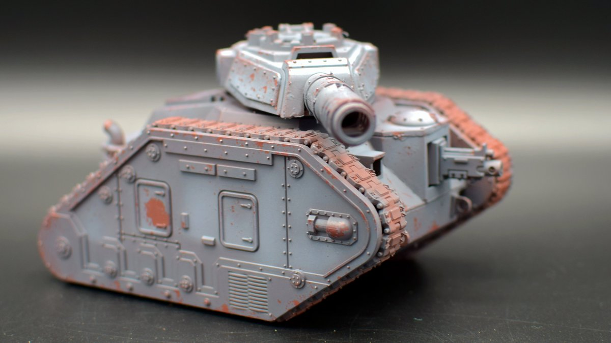 WIP Leman Russ, tried a new method of chipping today (with Maskol). Might do camo stripes over. #scalemodel #warmongers #warhammer40k #paintingwarhammer #paintingminiatures #thereisonlyweathering #imperialguard #astramilitarum #dkok https://t.co/OgAphxCTwE