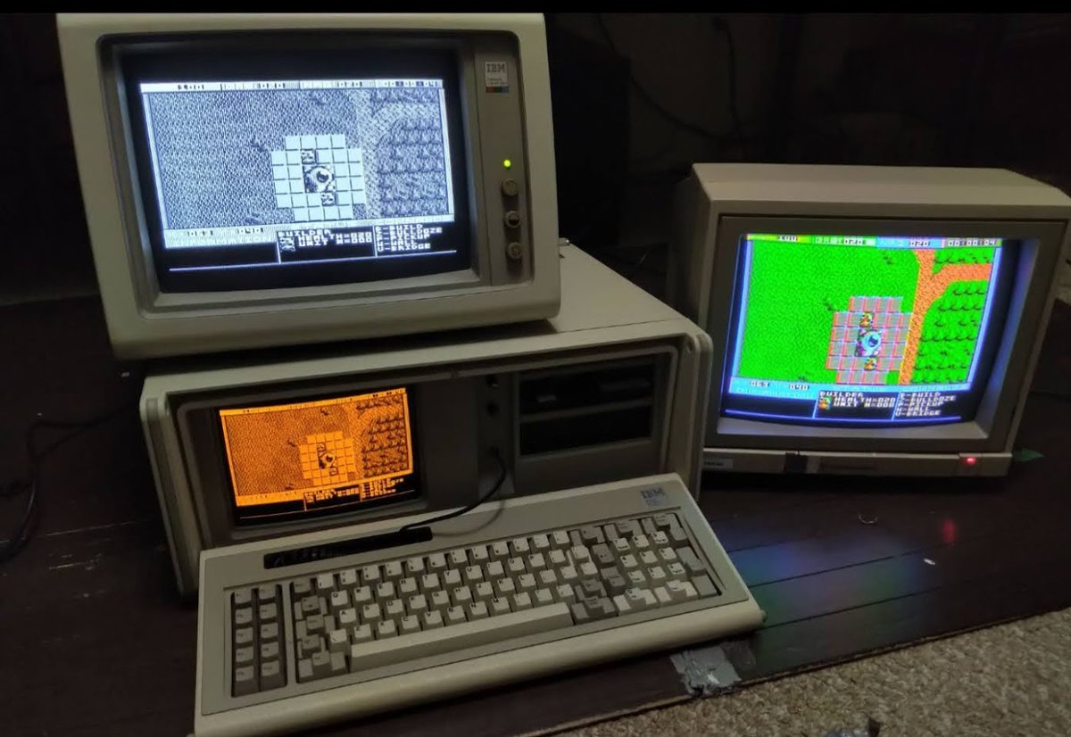 "Kirkwood1994 shares ""Triple monitor gaming in 1984"" https://redd.it/hro08hpic.twitter.com/Q34uAbHn3P"