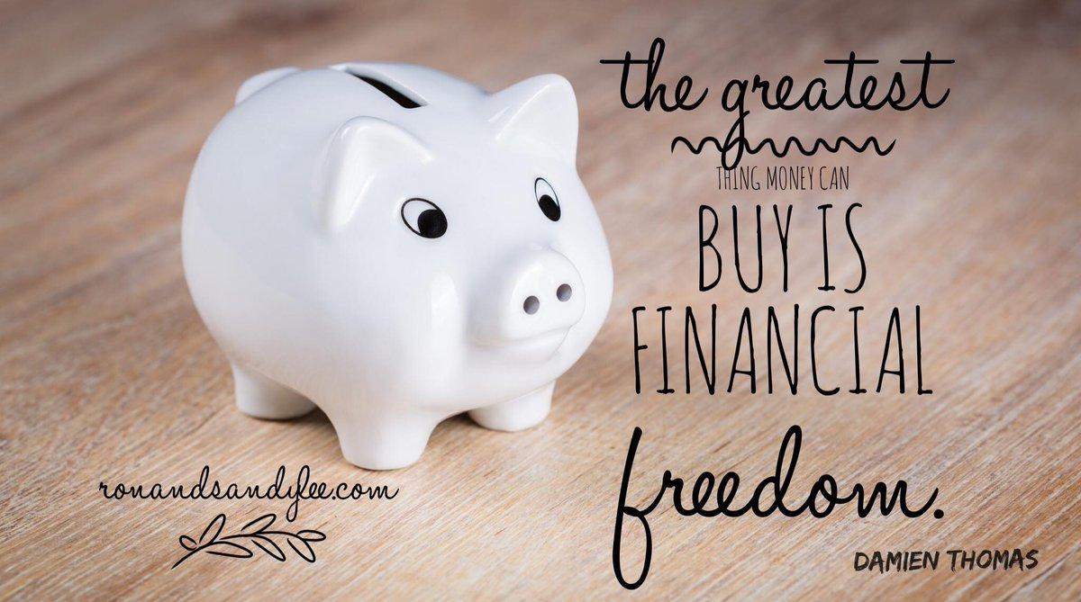 Financial freedom plus time freedom. The perfect combo. #visualidentity #businesscoaching #hotmessmompic.twitter.com/EeIpdCDzyE