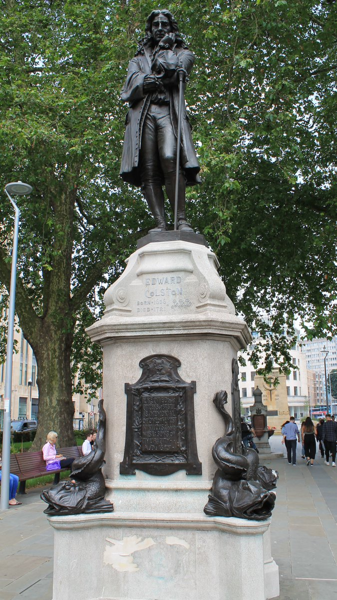 A slaver, slaver dumped, an inspiration and an end.  The slaver Edward Colston statue in Bristol replaced with a statue of the protester Jen Reid, after the inspiring moment atop the pedestal now relieved of its shame. https://t.co/7ee0FCxRwe