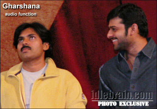 #AdvanceHBDPawanKalyan  @PawanKalyan with #Prabhas #Rebelstar at #Gharshana Audio function https://t.co/PwNUTnN2Sj
