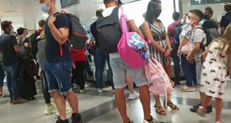 Ritardi nella consegna dei bagagli allo scalo Falcone Borsellino, protesta dei sindacati - https://t.co/3R4I0KbgI4 #blogsicilianotizie