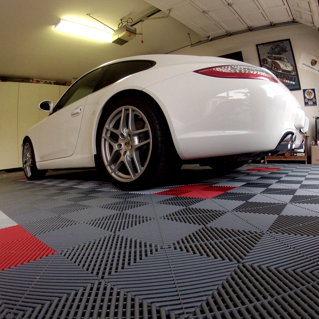 A close-ups of the tile to really show how unique it is. 🤙  . . . #Swisstrax #ModularFloor #GarageGoals #Porche  #Ribtrax #PearlGrey #PearlSilver #RacingRed https://t.co/zrIb59TA0s