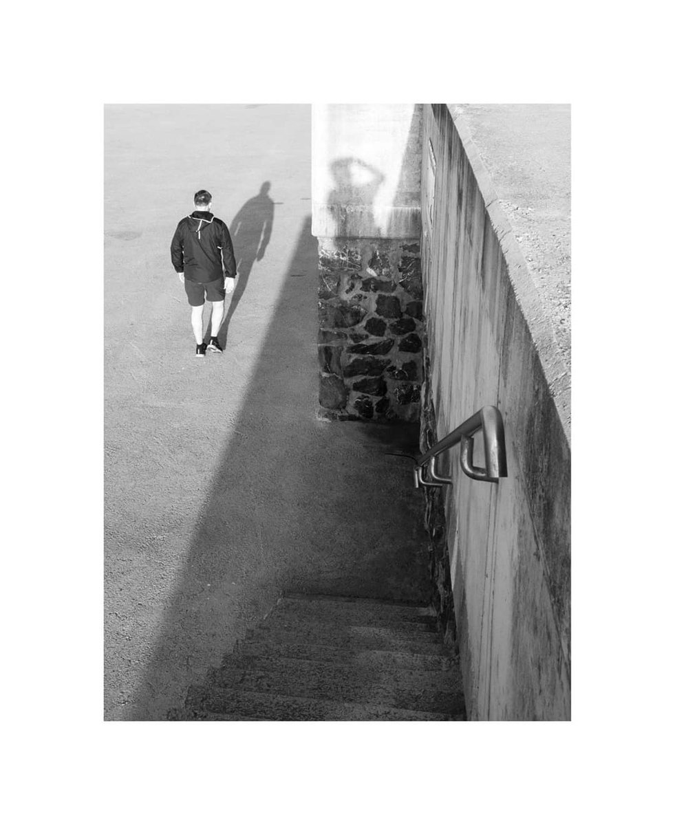 The shadow  #bermeo #euskadi #euskalherria #vizcaya #blackandwhite #blancoynegro #fujifilm #fujixseries #fujixpro2 #streetphotographypic.twitter.com/uSnzIqGGxU