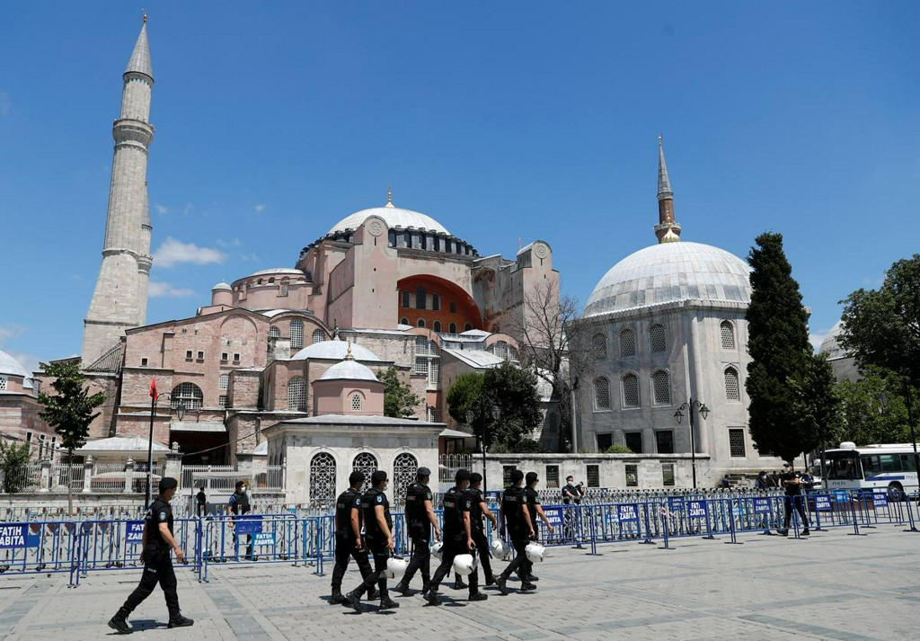 Turkey will inform UNESCO about Hagia Sophia moves, minister says https://t.co/q8MvJll1Xw https://t.co/aZtKe9M75T