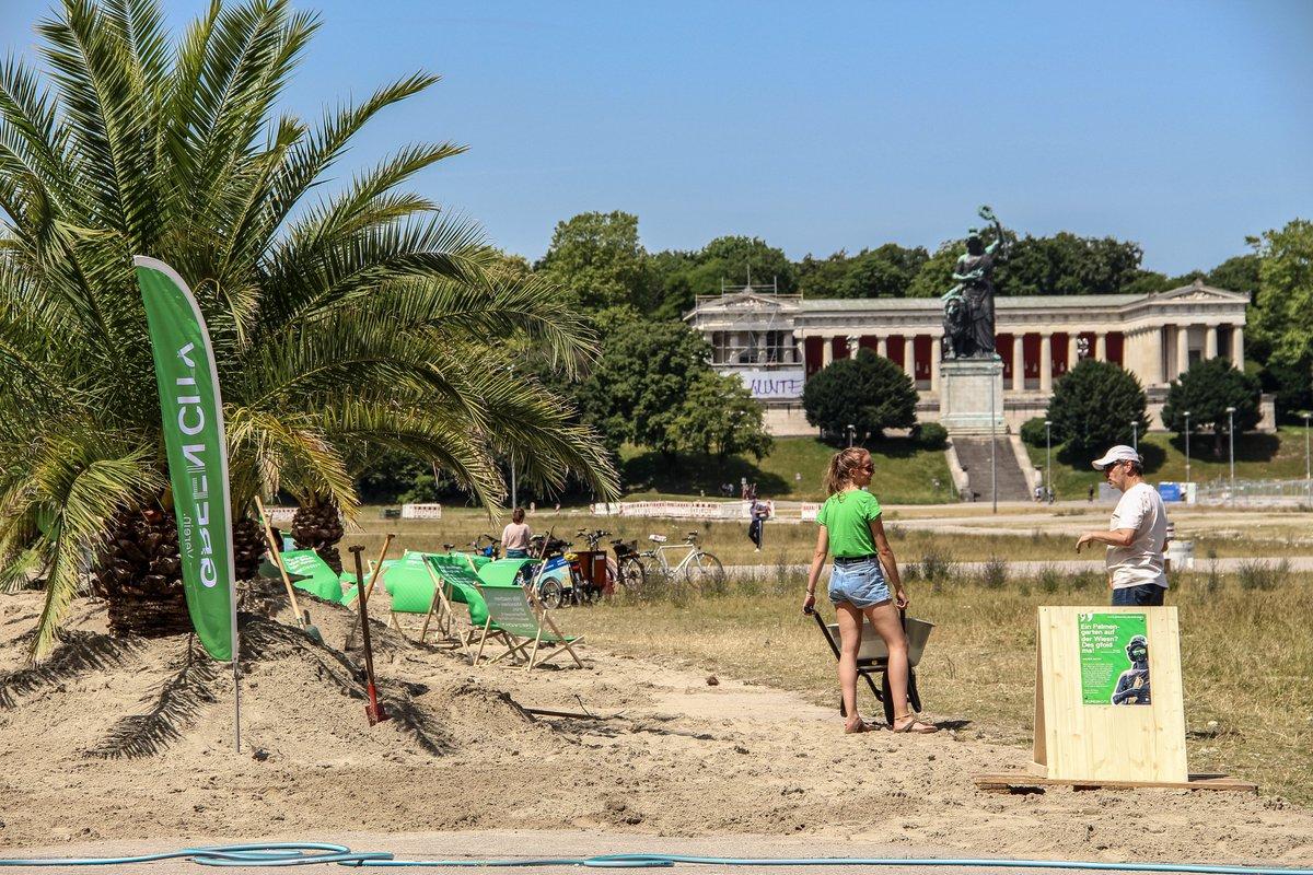 Wir sind begeistert, welch große Aufmerksamkeit unser #Palmengarten hat. Damit alle den ganzen Sommer Freude dran haben, bitten wir Euch, die geltenden #Corona-Regeln (1,5m Abstand!) auch dort einzuhalten. Den eigenen Müll wieder mitnehmen, schadet auch nicht.😀#SommerInDerStadt https://t.co/tQXrMBzIek