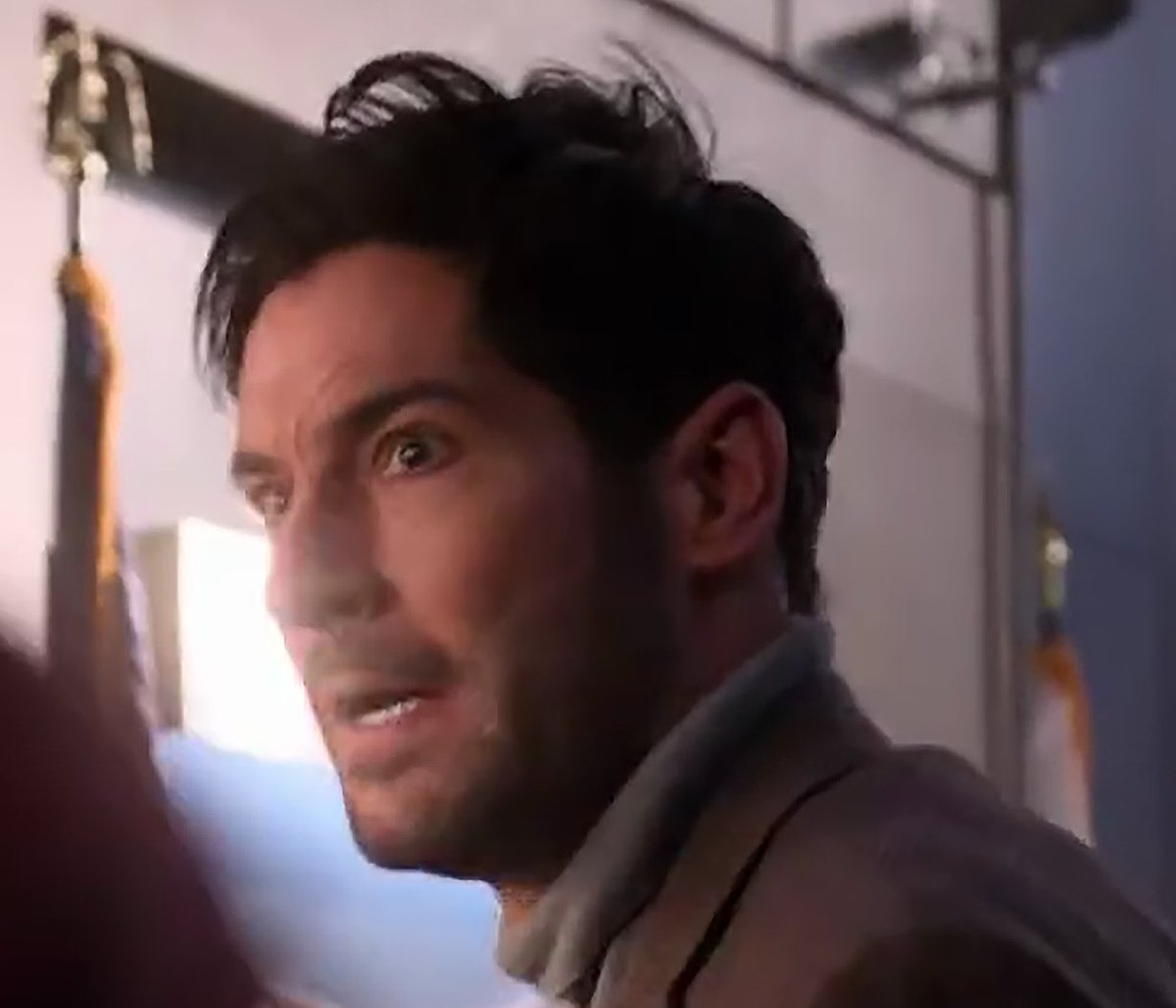 Kaykat Lucifer Spoilers On Twitter Still Watching Still Finding Details Like For Example Michael S Facial Scar Nice Call Back To The Comics There Luciferspoilers Luciferseason5 Https T Co Wwl6bdk5uc
