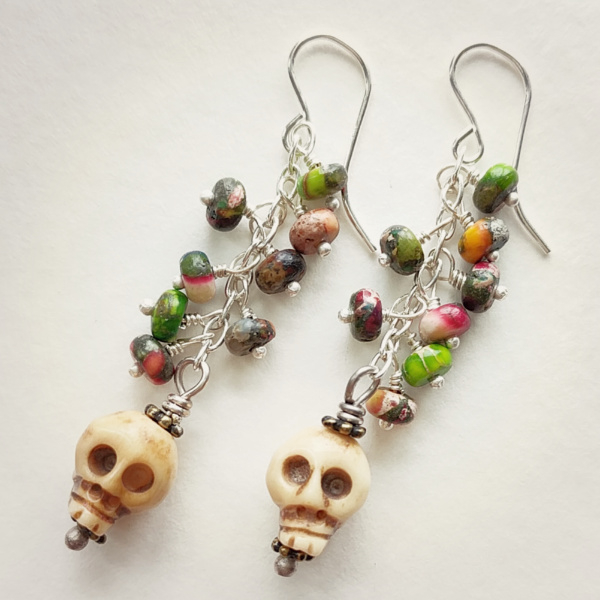 A few pairs of these left. So fun and colorful with rainbow jasper and cute little skulls.  Sterling silver metals. 60 days of earrings #skull #cuteskull #dayofthedead #voodoo #rainbow #earrings #earringlove #earringsoftheday #earringstagram #shopmyjewels #earringaddpic.twitter.com/cCCKDLl79M