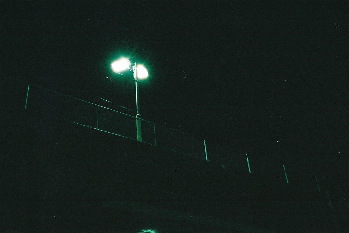 明けない夜 Rollei35,Tessar40mm/f3.5,X-TRA400 #film https://t.co/RYaIbkzP6T