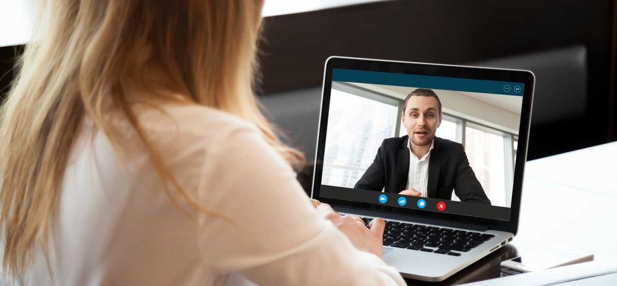 There is a lot of #information available to those interviewing for jobs via online platforms but what about those conducting the interview? Here are 10 #videointerview #tips for employers. https://t.co/qwb8TaBJVk https://t.co/oW8v3TRWqc