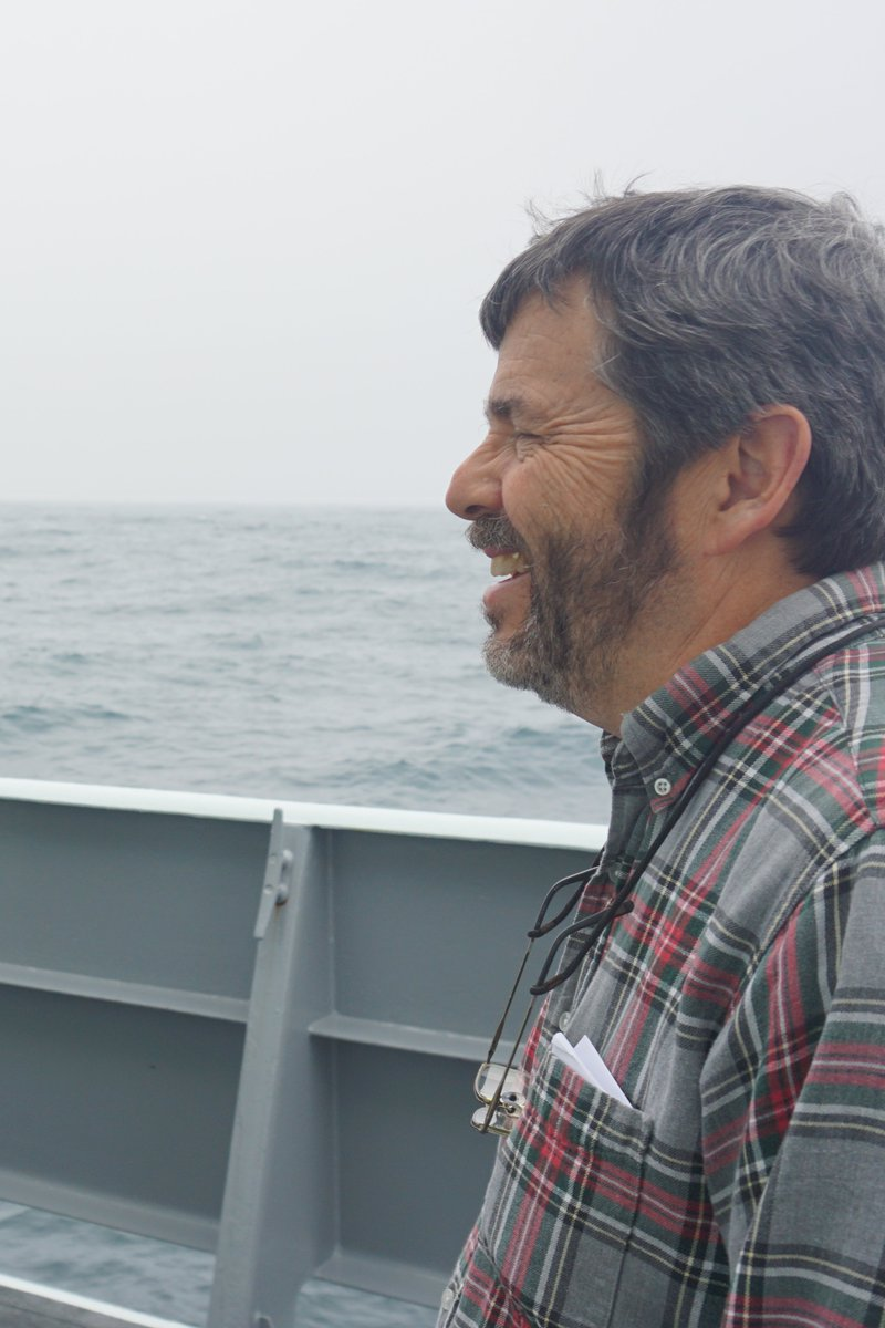 Though it may feel remote from our everyday lives, the vast #SouthernOcean shapes life in the Northern Hemisphere.   Join Dr. Barney Balch TOMORROW at 5 ET as he shares insights into #algae in this powerful ocean system. Register for this virtual #CaféSci: https://t.co/JNCMErh4HR https://t.co/bTuxngD5hn