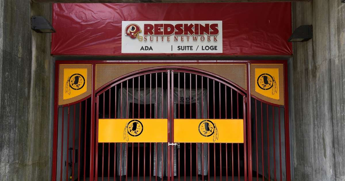 Redskins to retire team name Monday; new name to be revealed later https://t.co/UXgKyt7hR3 #Redskins #NFL #Sports https://t.co/X4jToBCl0N