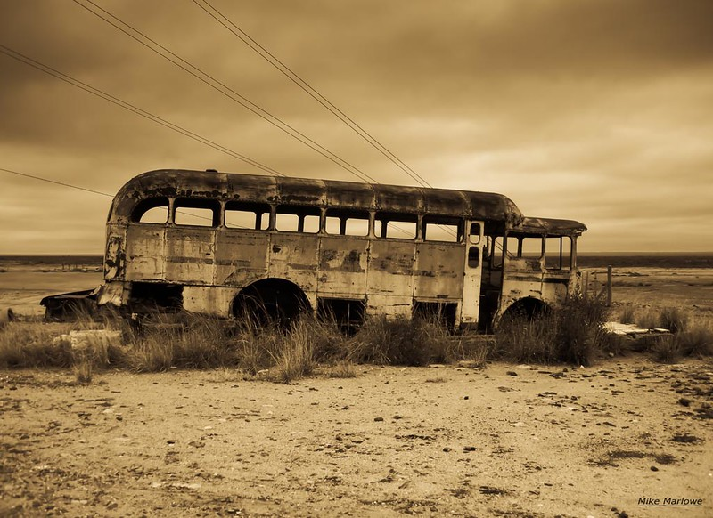 #ÚltimaParada Un bus abandonado en la Patagonia. Foto: Mike Marlowe https://t.co/X0YKUrl5zN