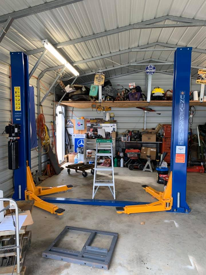 #Autoliftdelivery & installation adventures continue... call 866-607-4022 to schedule your delivery! 🙃🚙🚕👍 #2postlift #twopostlift #homegarage #autoshop #garagegoals #garagemonkey #garageequipment #naautoequipment #delivery #deliveryadventures #liftinstallation #Universalift https://t.co/pchk0NOnlh