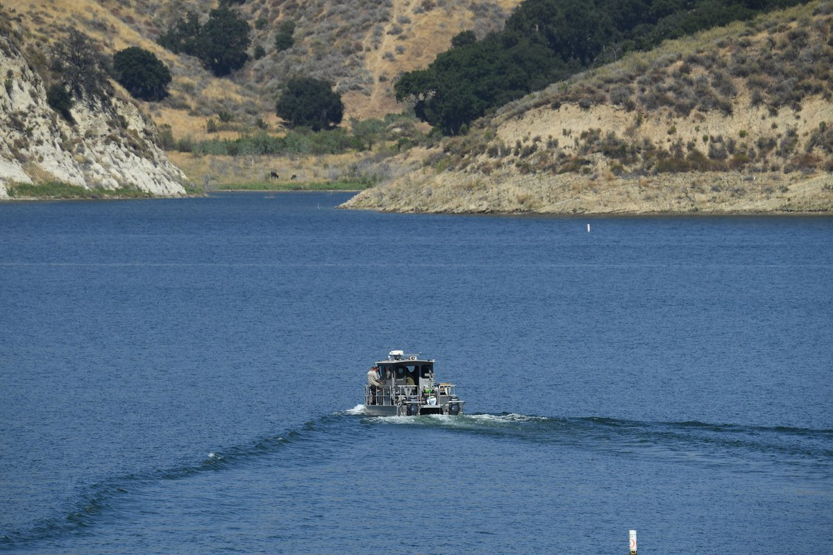 "#BREAKING: Authorities searching for ""Glee"" actress Naya Rivera have found a body at Lake Piru. https://t.co/zvx8zGEVLP https://t.co/nPsu2MjfRX"