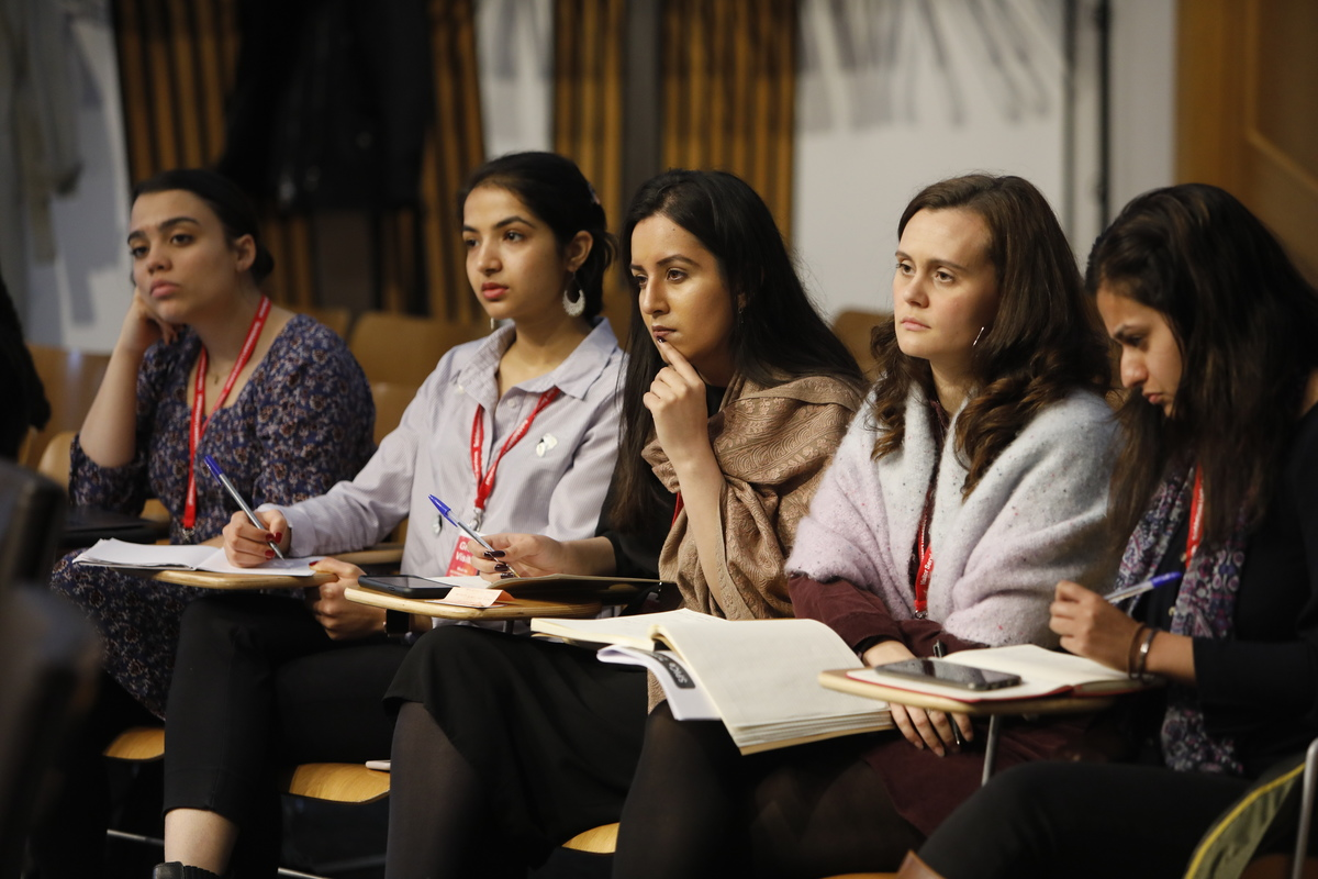 This years participants in the Young Women Lead programme have been working on an inquiry into how young women in Scotland from ethnic minorities transition from education into employment. Find out more: ⤵ ow.ly/liS150AwWXr