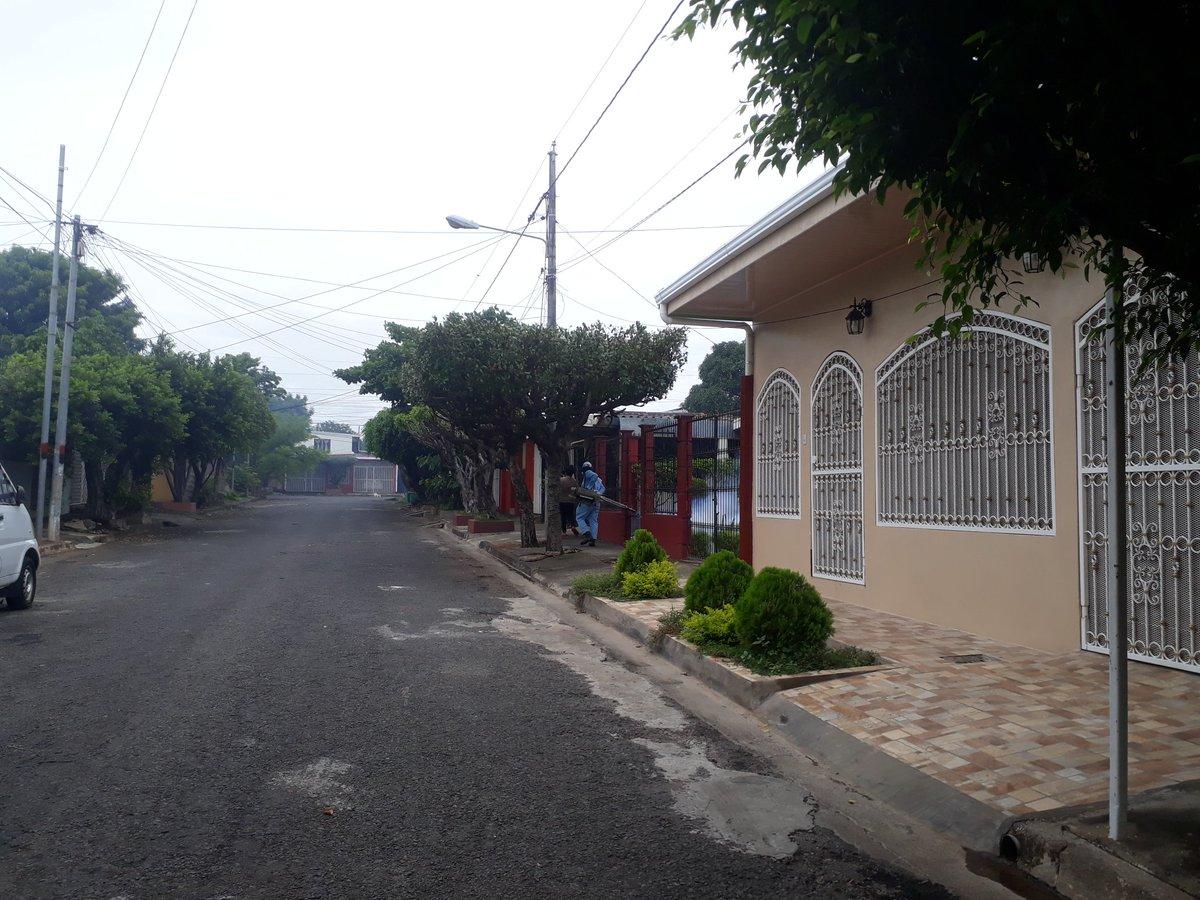 Jornada de fumigación contra el Dengue, Sika y Chikunguya. Barrios de Managua Distrito 7.3 #JulioVictoriososSiempre https://t.co/lO6dG4nlMq