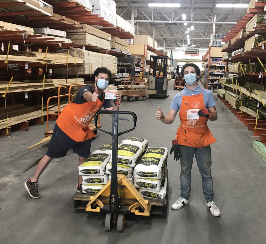 Caught these two guys working #InFocus and practicing #SafetyMatters by #WarmingUp and #TeamingUp prior hand stacking some bags of concrete. Thank you Sam and Tyler for working safely! @Homedepot_6379 @paddleboardjlc @a_2da_j https://t.co/diqWoFYM6D