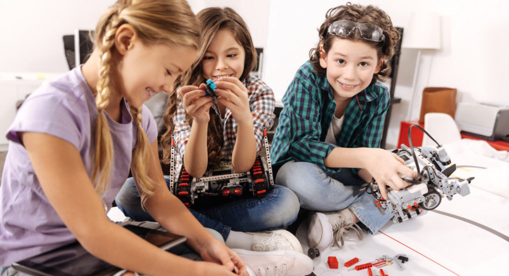 4 Ways to Encourage STEM Education at Home bit.ly/325WuvS #kidsactivities