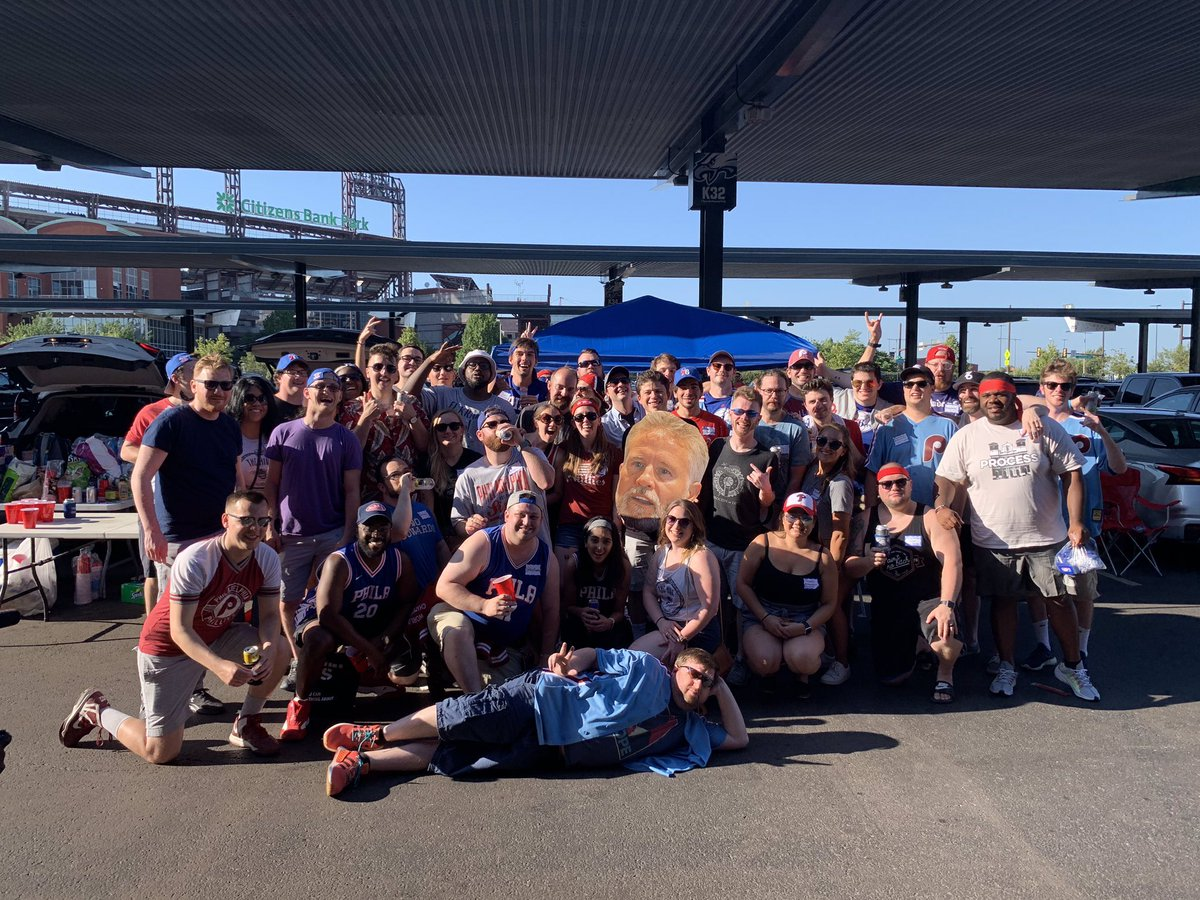 A year ago today I got my first experience of the @mikescott_hive and my life has never been the same since. Shoutout to @Tweets_By_Zo and @zrjaved for starting this incredible community cause I've met the most amazing people and made some incredible memories ever since https://t.co/djSKJI56AW