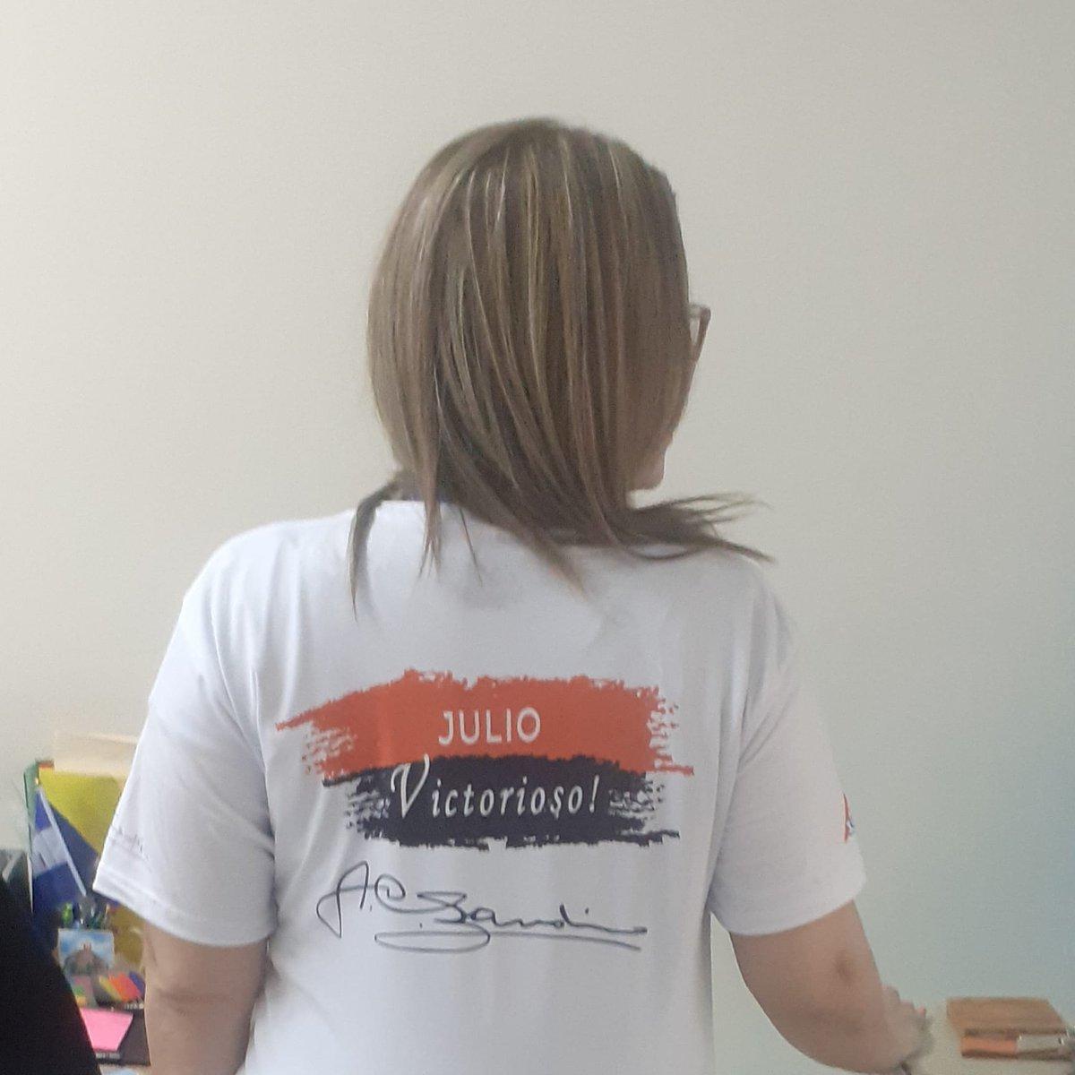 A pocos dias de celebrar nuestro 19 de Julio, yo ya estoy estrenando mi camiseta de #JulioVictoriososSiempre   #41ElPuebloUnido   #PLOMO19 https://t.co/KusC9bQNO9