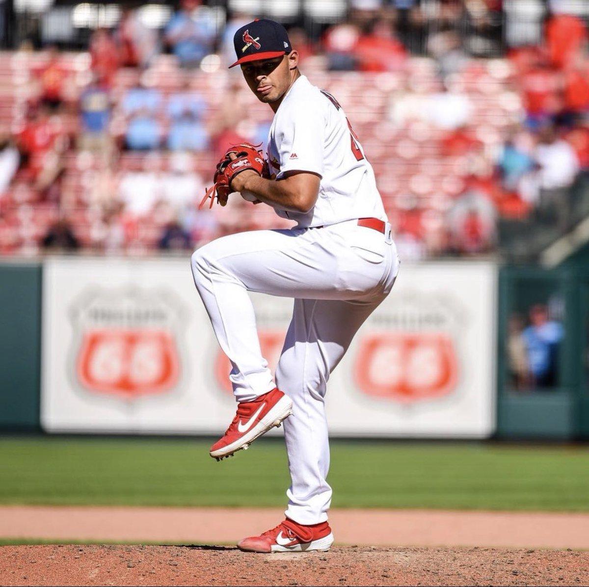 Lanzador de los @Cardinals @Jhicks007, anuncia que no jugará esta temporada. #MLB #Cardinals #Cardenales https://t.co/Xkb4h1zaST