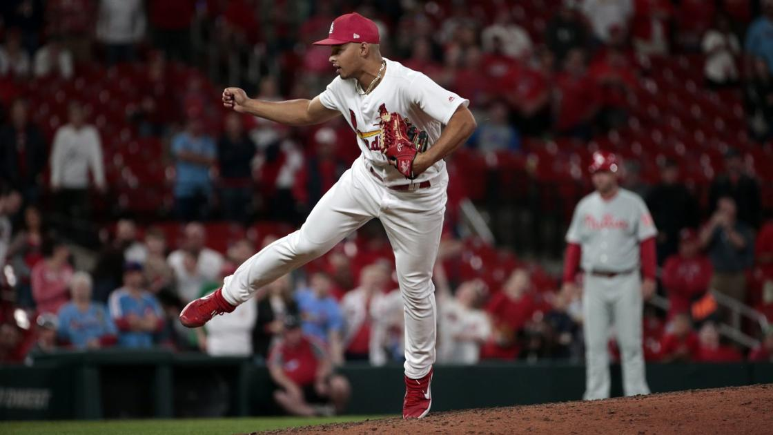 Cardinals, Hicks reached conclusion that it's best for closer to opt out... #Cardinals  https://t.co/Cx7hSidQ2f https://t.co/Z8AsMEZo2t