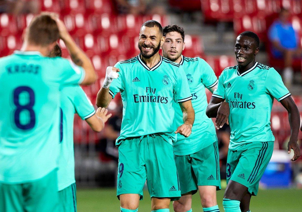 Saber sufrir, saber ganar.   Si derrotan al Villarreal el próximo jueves, serán CAMPEONES.  EL REAL MADRID DE ZIDANE. https://t.co/Dioyv82BiU