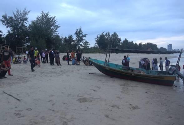 Nelayan OKU keluar candat sotong ditemui maut dalam bot https://t.co/Mv2SBzTzRn #AWANInews #FajarAWANI https://t.co/PzfTrW98oS