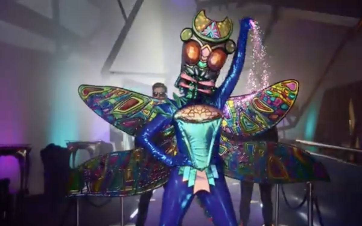 The First 'Masked Singer' Is Revealed & We've Picked Up A Hot Clue #TheMaskedSinger #KIIS1065 #KeepKIISLoud  See what we've figured out here: