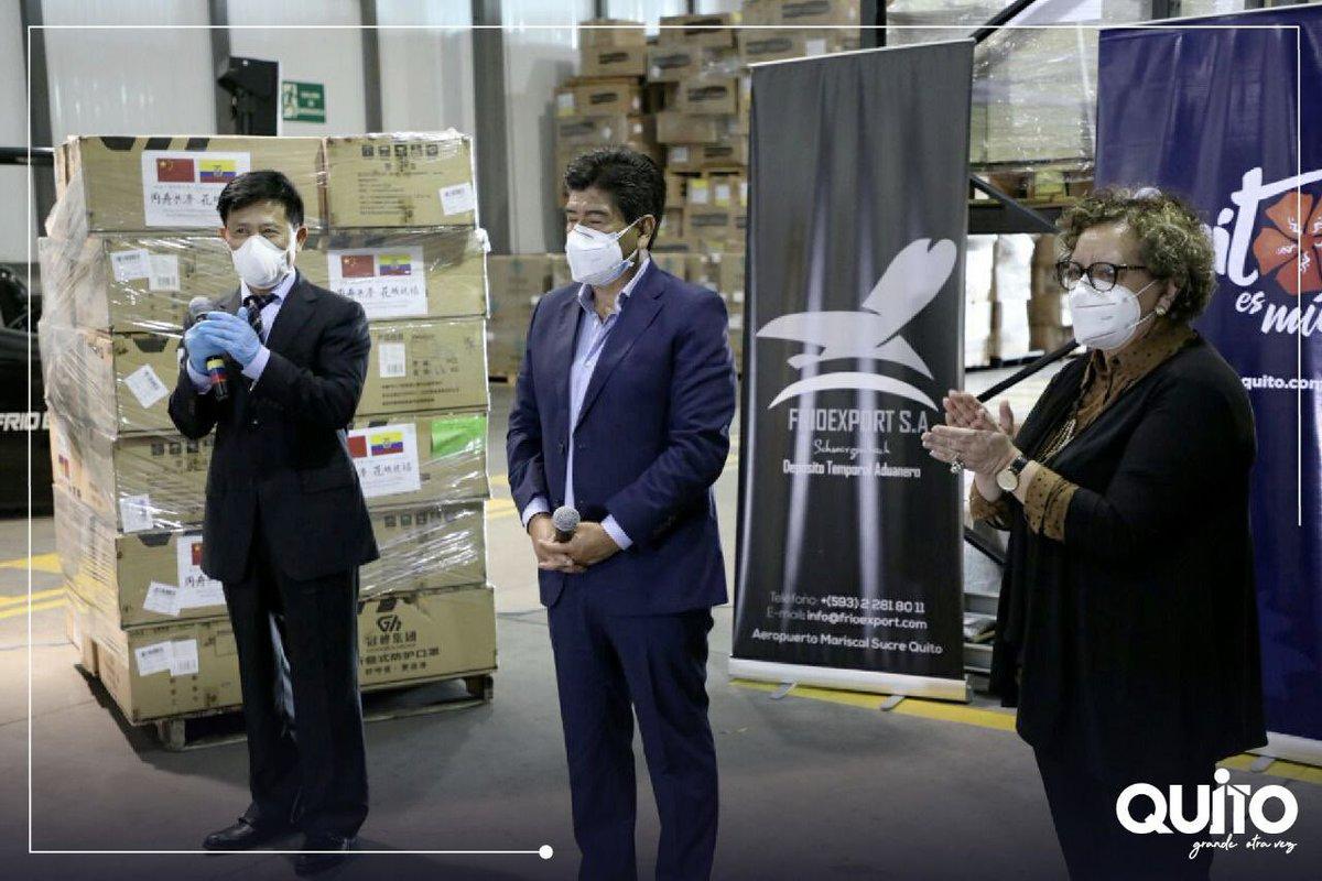 ¡Quito agradece el apoyo fraterno de la ciudad hermana de Guangzhou! De manos del embajador de China, señor Chen Guoyou, el Municipio recibió la donación de mascarillas N95 y quirúrgicas, que servirán para continuar en la lucha contra el virus. #NoTeRelajes https://t.co/4kkC6ryBt9