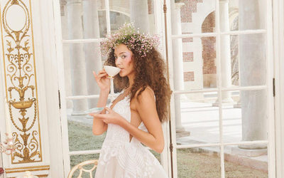 Bhldn launches wedding collection with designer Hayley Paige https://t.co/HfDQna5xN3 https://t.co/zoYhqTYb0L