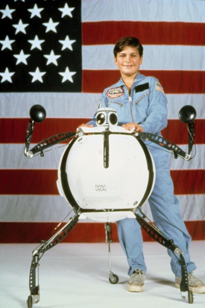 I just realized Joaquin Phoenix was in SpaceCamp https://t.co/lgLu2tAPWh
