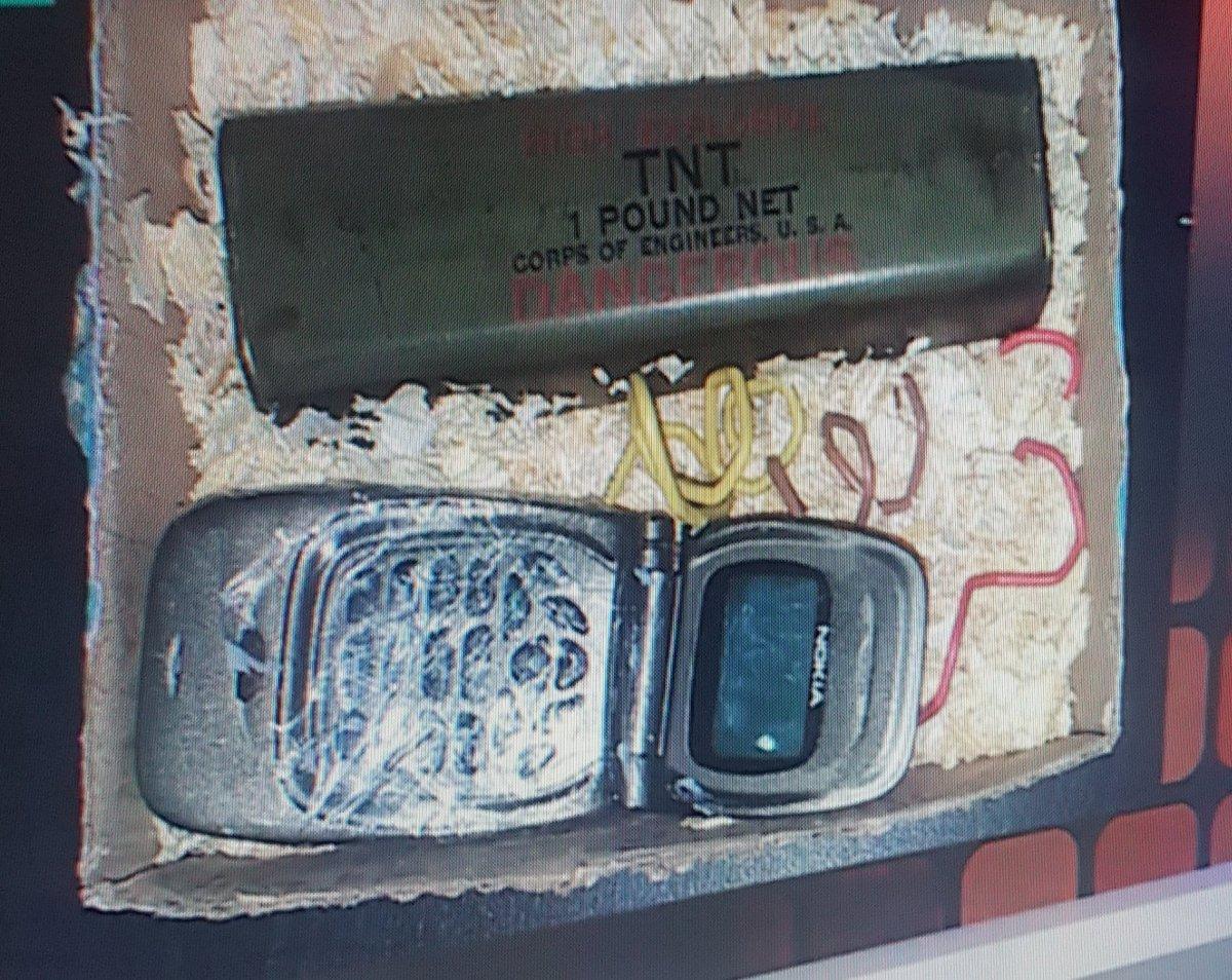 Melo, el espía K puesto por Moyano y Llermanos, tenía en su celular una foto del explosivo que le pusieron a José Luis Vila, 3 días antes que fuera colocado.