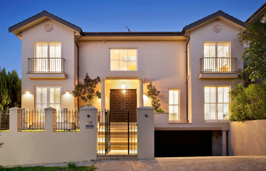 For rent in Vaucluse, NSW 2030.  Fully Furnished Absolute Waterfront Vaucluse Home.  Click link for more details: https://bit.ly/2Zo5lXV  #manly #manlyaustralia #manlyrealty #manlyproperty #manlyrealestatepic.twitter.com/yAYIyzllQi