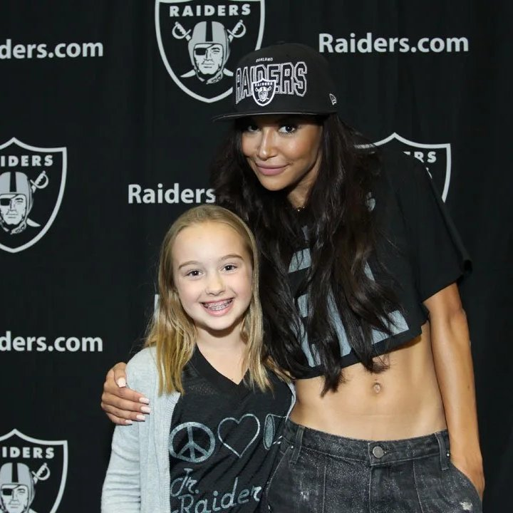 The late Naya Rivera posed for photos with #RaiderNation on September 29, 2013 before the Washington vs #Raiders game. <br>http://pic.twitter.com/HvBD9rjDrQ