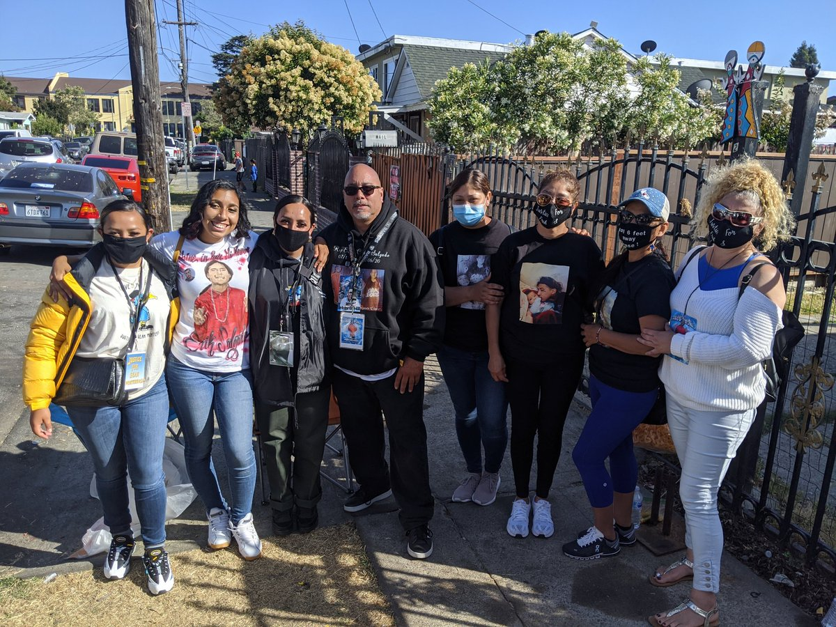Today should have been Erik Salgado's 24th Bday. The families of Erik & Sean Monterrosa came to celebrate his life & demand: names of the officers & the video. Brianna Colombo is still healing but she was present #Justice4ErikSalgado  #Justice4Sean #LifeIsSacred #LaVidaEsSagrada https://t.co/0PzhxYeq7v